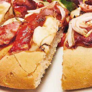 pizza gourmet salsiccia e cipolla